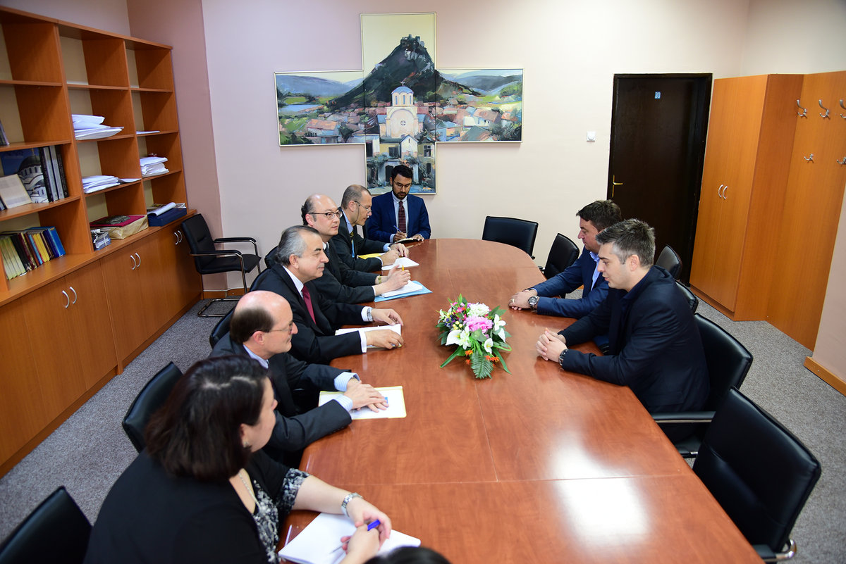 SRSG Zahir Tanin(third left), DSRSG Christopher Coleman(second left) accompanied by UNMIK team meeting with Mayor Vučina Janković (first right). 2016©UNMIK Photo by: Shpend Bërbatovci​
